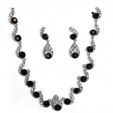 Waved Crystallized Handcraft Black Gemstones Necklace with Earring
